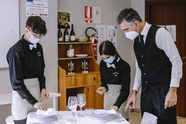 operatore ristorazione sala bar: lezione pratica con il docente