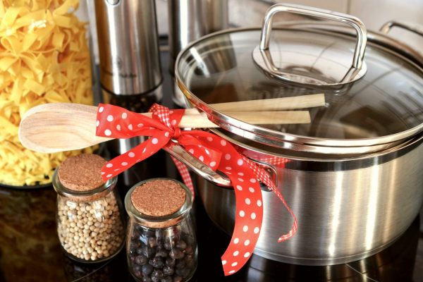 collaboratore cucina: pentole