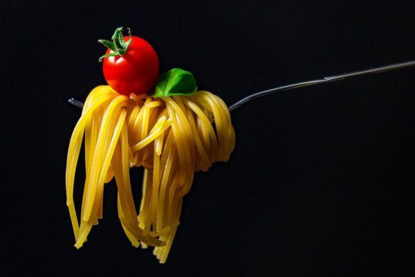 collaboratore cucina: spaghetti