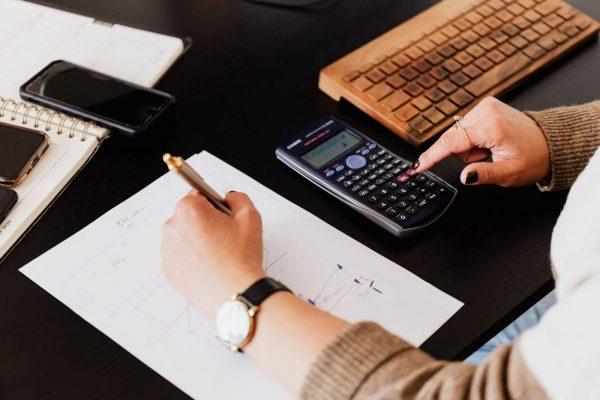 addetto contabile amministrazione: calcolatrice